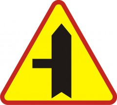 Intersection with minor side-road on the left