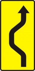 Plate indicating unexpected change in the traffic direction beginning to the left and to the right