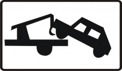 Plate indicating, that left vehicle will be removed at the expense of the owner