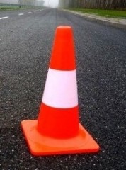 Fluorescent non-reflective traffic cone 40cm in stripes