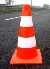Fluorescent non-reflective traffic cone 50cm in stripes