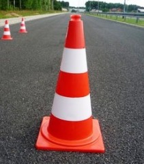 Fluorescent non-reflective traffic cone 75cm in stripes